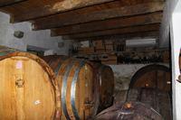Хорватское вино. Дубовые бочки.